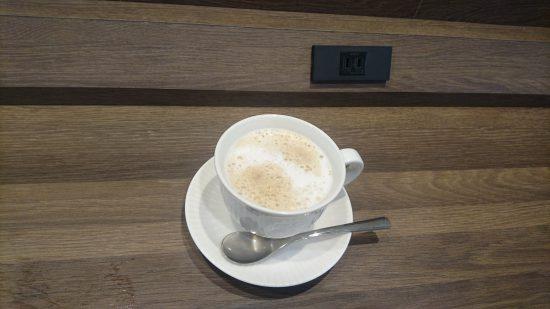 おかわりのカフェラテ